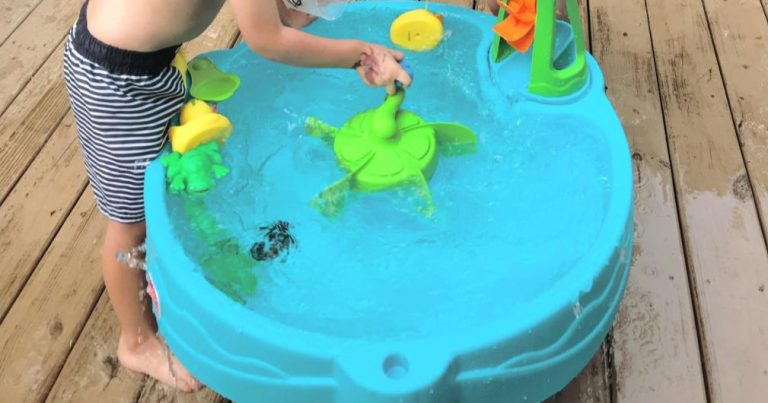 Water Table For Toddlers to Beat The Heat   Step2 Duck Pond Water Table Toy Review