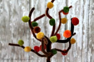 Easy pipe cleaner crafts - tree